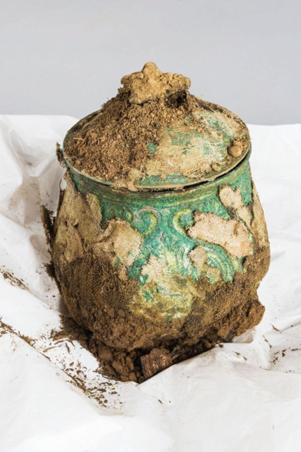Image d'un pot contenant un trésor Viking