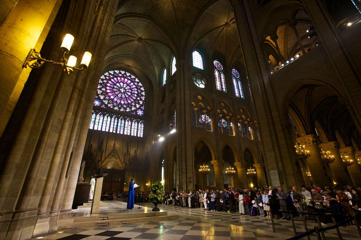 Notre-Dame organisait jusqu'à lundi dernier des offices quotidiens pour les Parisiens et les visiteurs.