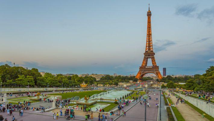Le ravalement de la Tour Eiffel