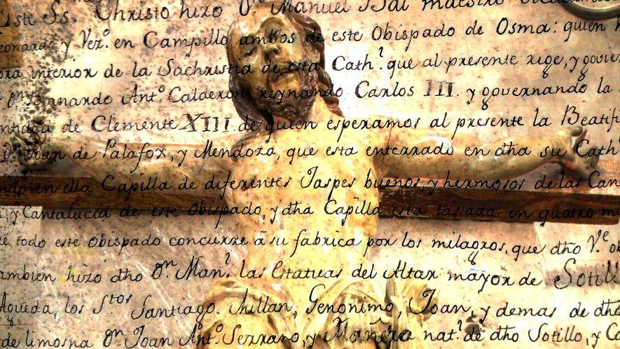 Un message secret découvert dans une statue représentant Jésus