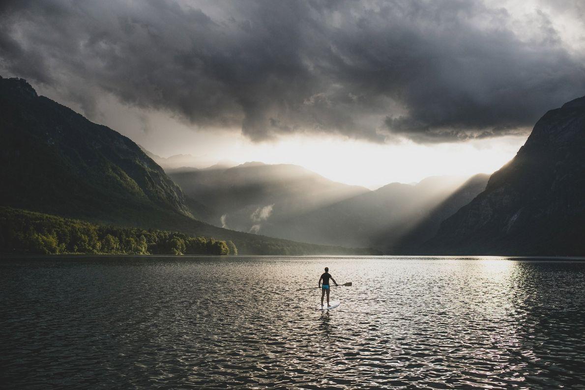 Malgré les prévisions orageuses, le photographe Ciril Jazbec s'est échappé un week-end pour se rendre à ...