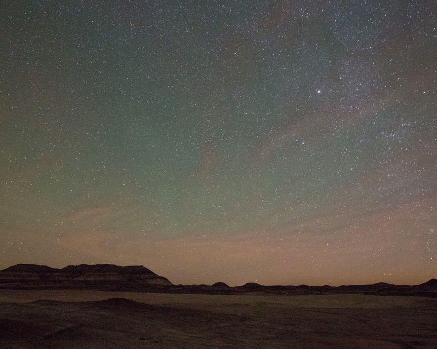 Le ciel est étoilé au-dessus du désert de l'Utah, à proximité de la Mars Desert Research ...