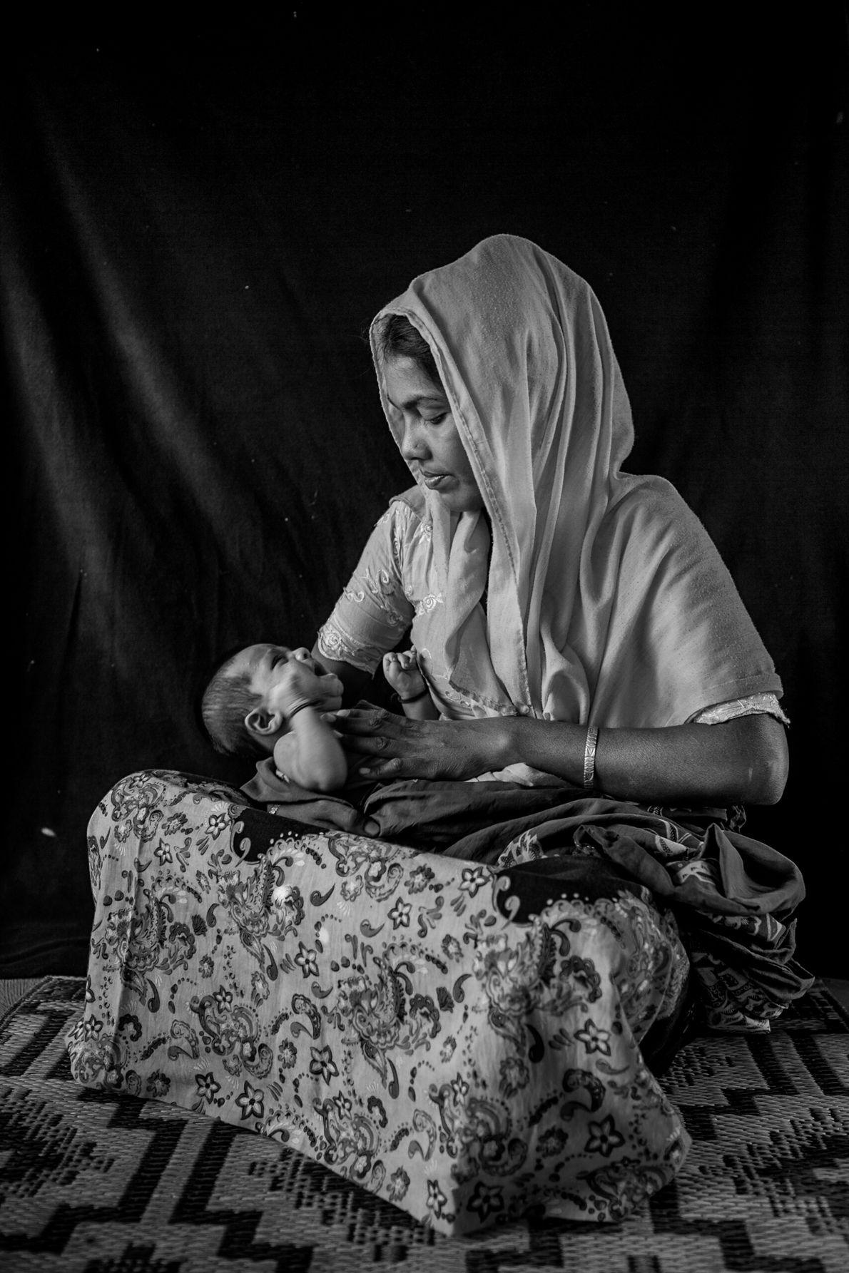 """Le projet photographique de Turjoy Chowdhury, baptisé """"Born Refugee"""" ou Né(e) réfugié(e) en français, s'intéresse aux ..."""