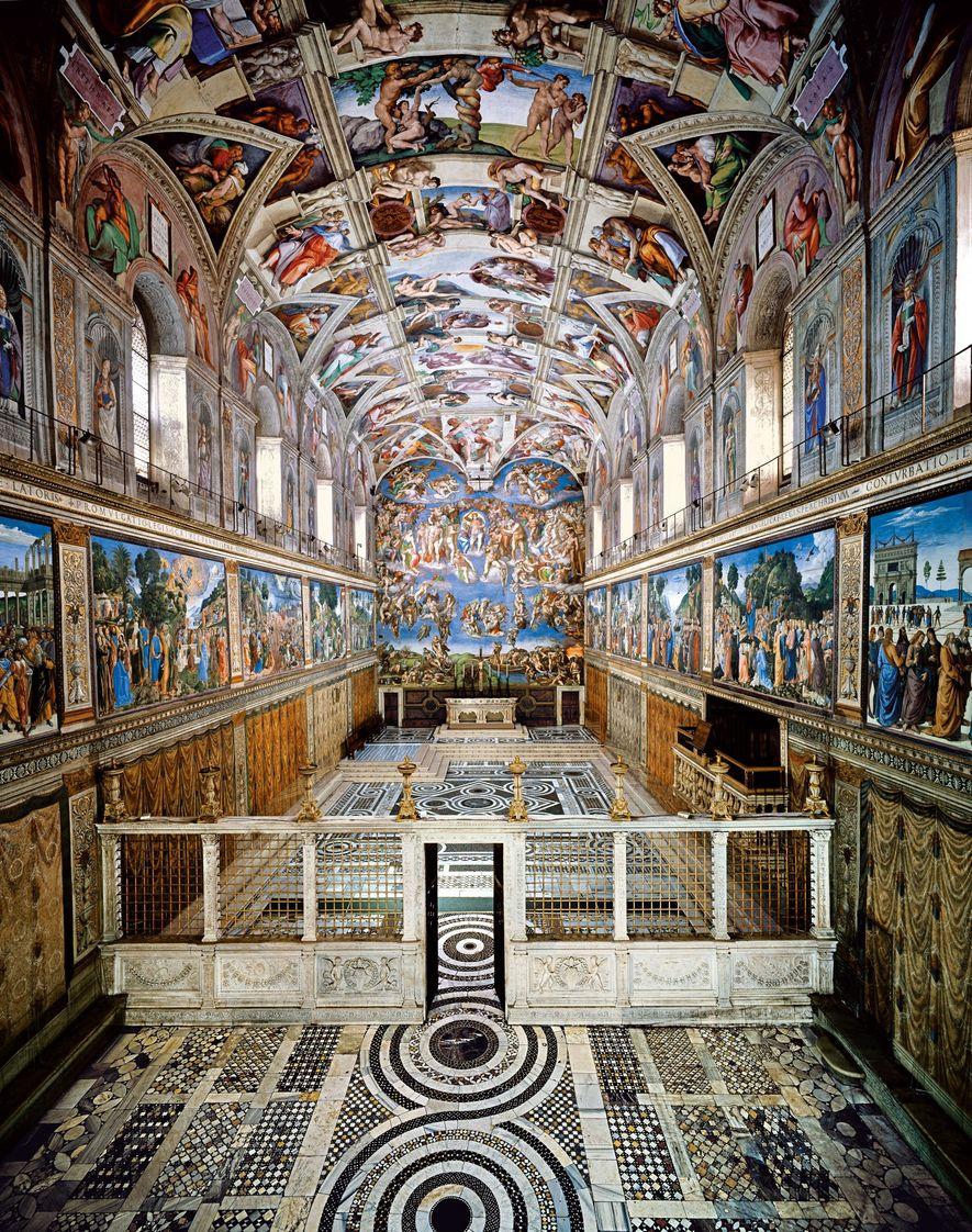 La chapelle Sixtine semble quelconque, du moins de l'extérieur. À l'intérieur, l'impressionnante fresque de Michel-Ange dirige ...