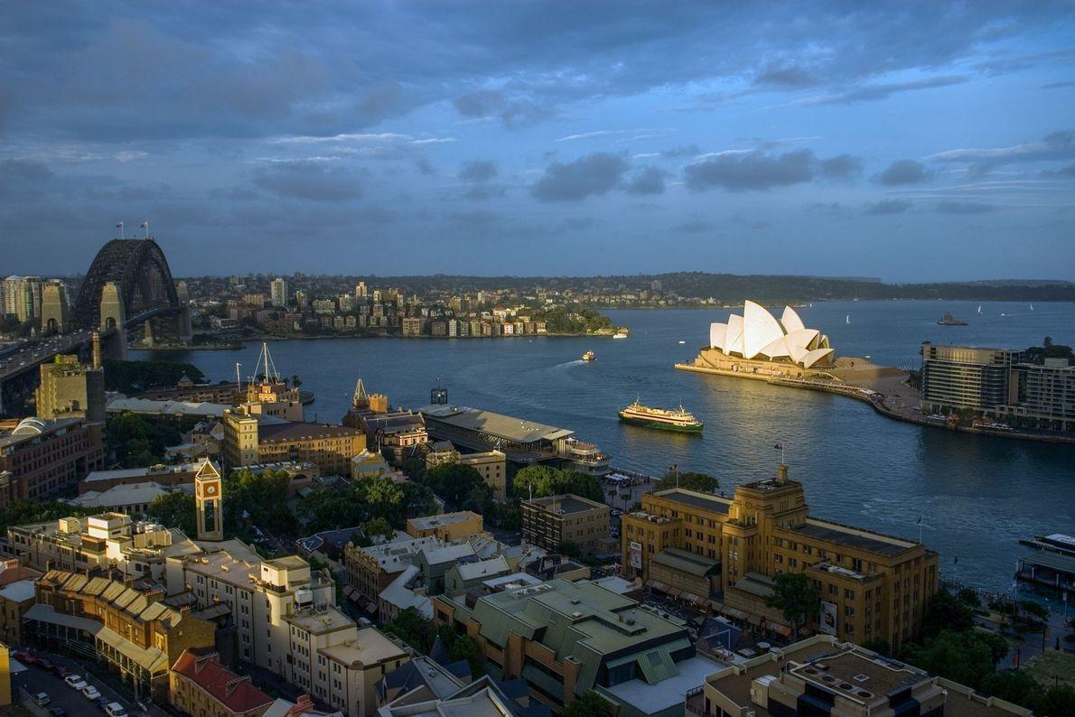 Aujourd'hui, Sydney est la plus grande ville de l'Océanie et son opéra est devenu une icône ...