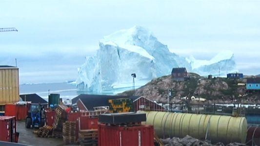 Un village du Groenland évacué à l'approche d'un iceberg