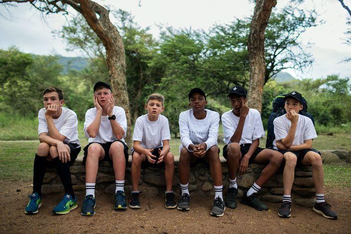 Les élèves du Hilton College de Hilton, en Afrique du Sud, participent à une nuit de ...