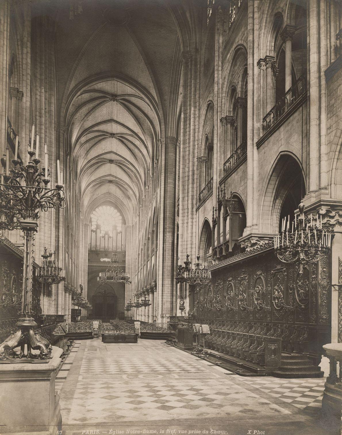 La structure intérieure en bois de Notre Dame a été détruite par le récent incendie.
