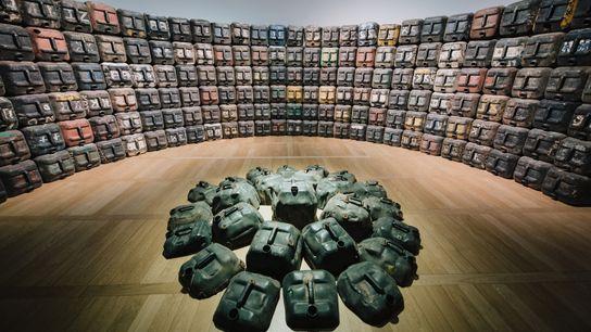 L'exposition « Expression(s) décoloniale(s) #2 » au Musée d'histoire de Nantes propose aux visiteurs de découvrir ...