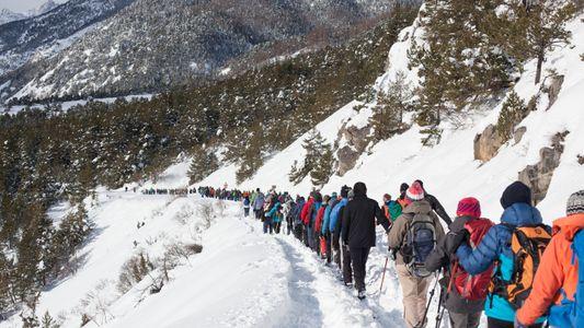 Dans les Alpes, des montagnards viennent en aide aux exilés