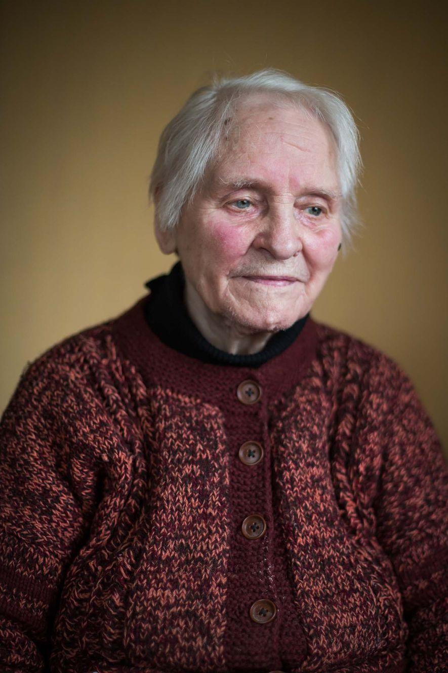 Pour Gisela Unterspann, le traumatisme de la guerre est toujours présent. Elle ressent encore les expériences ...