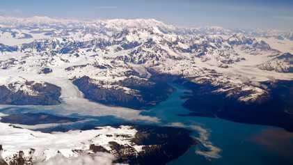 La Terre se réchauffe, les glaciers s'effondrent