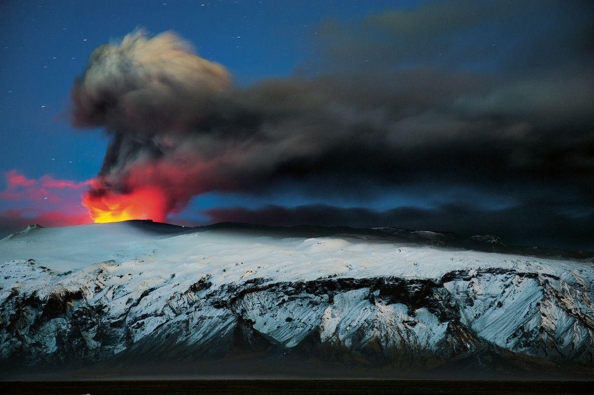 Islande : Terre de volcans, cascades et glace