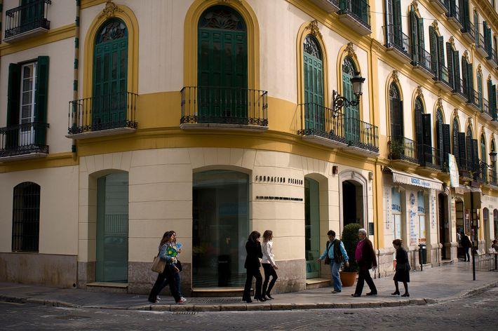Le Palacio de Buenavista abrite le musée Picasso.