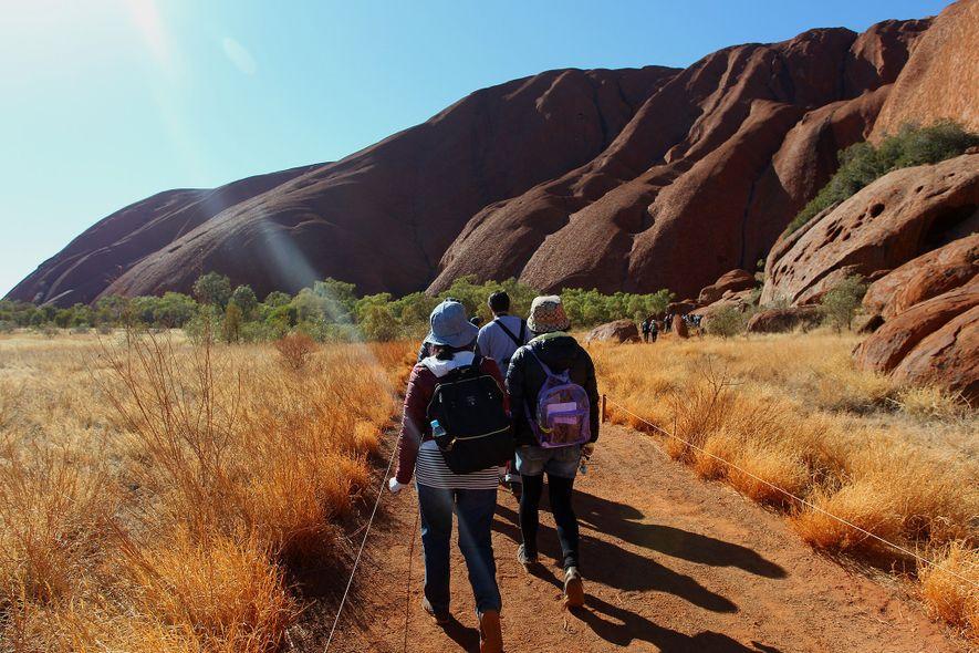 Bien que le parc national d'Uluru-Kata Tjuta ait connu une recrudescence du nombre de visiteurs après ...