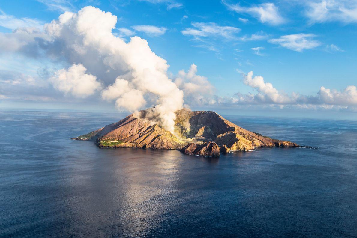 2015 - Landscape - White Island, Nouvelle-Zélande Boitier : Canon 6D Objectif : Canon 24-105/f4 L IS USM Infos ...