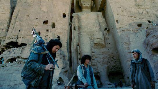Le plus imposant des deux Bouddhas de Bâmiyân était encore intact lorsque le photographe Pascal Maitre s'est ...