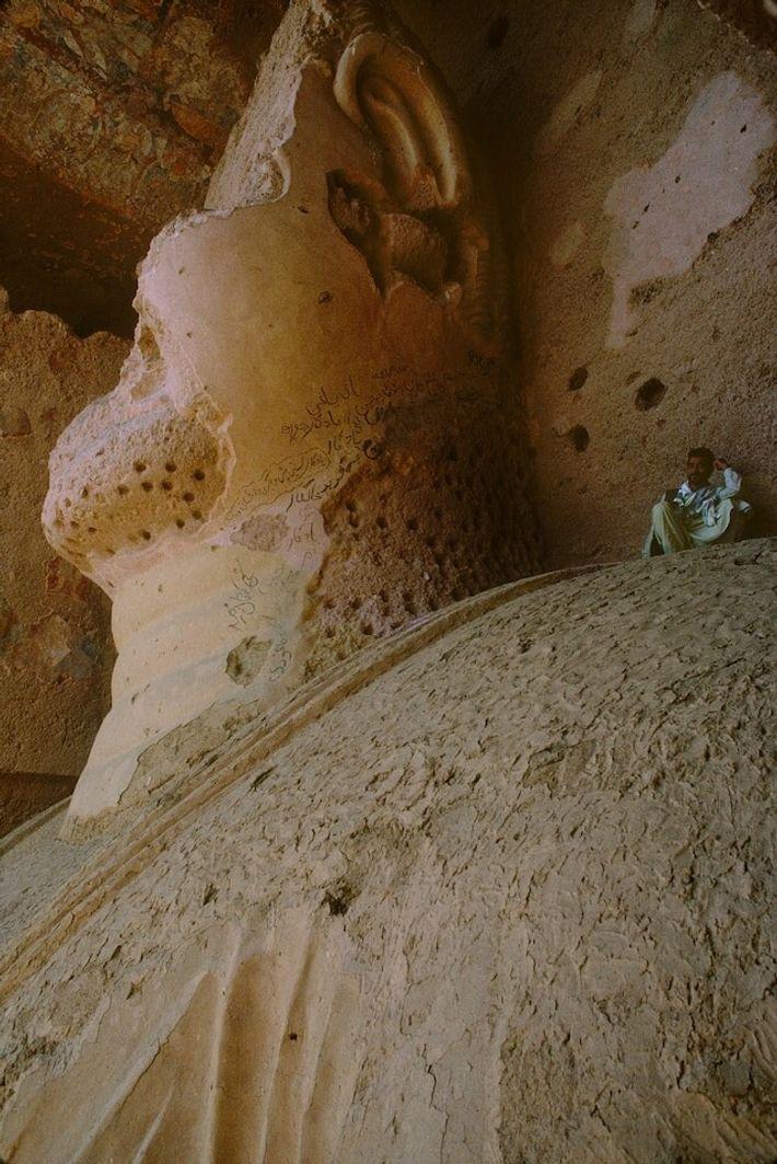 Pendant des siècles, touristes, archéologues et pèlerins se sont pressés sur le site des Bouddhas de Bâmiyân. ...