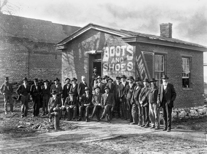 Le premier braquage de Jesse James fut une banque de Missouri plus tard transformée en magasin ...