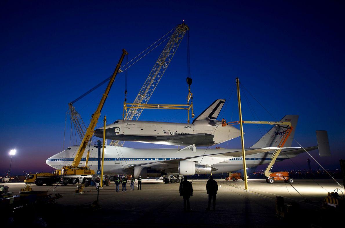 La navette spatiale Enterprise est ici photographiée le 20 avril 2012, à l'aéroport international de Washington-Dulles. ...