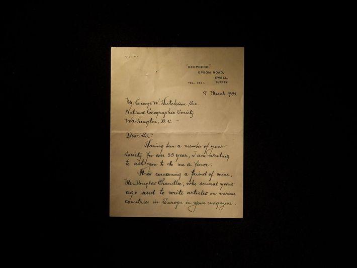 Des lettres comme celles-ci conservées par un homme se disant ami de Chandler ont été saisies ...