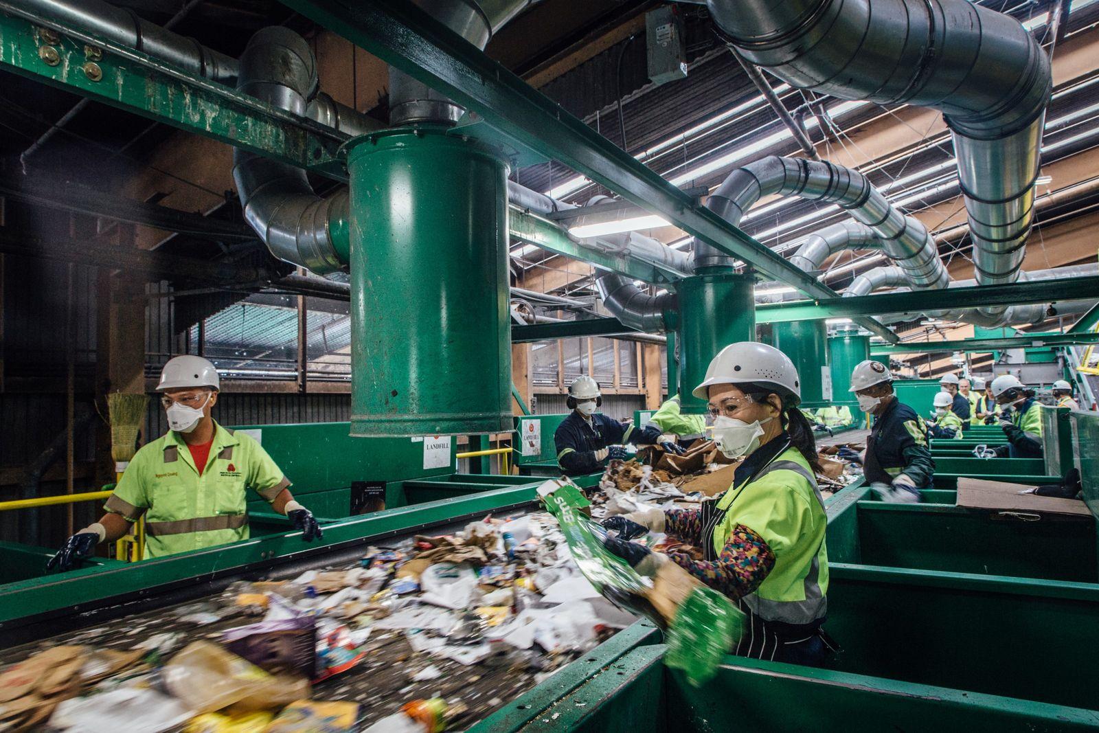 Pier 96 est le plus grand centre de tri de déchets du monde.
