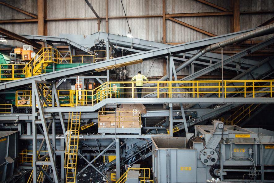 Recology, la coopérative qui récolte les déchets de San Francisco s'est dotée d'un tapis de tri ...