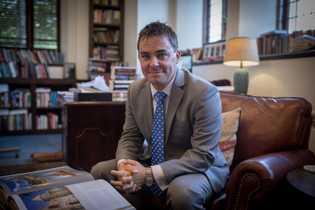 Kyle Harper, professeur d'histoire ancienne à l'université d'Oklahoma et auteur du livre « Comment l'Empire romain s'est ...