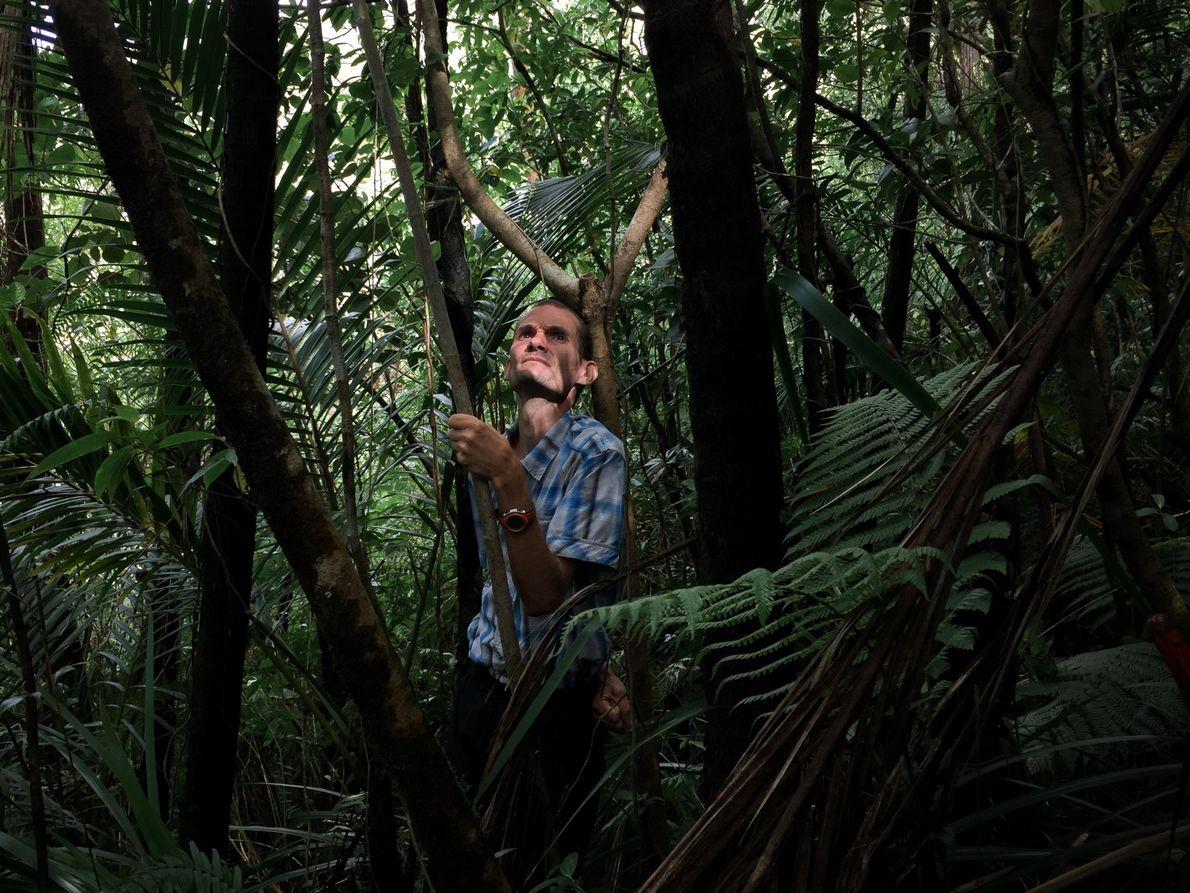 Jean-Louis Rivière a rencontré Sébastien au fond d'une ravine, au milieu de nulle part. D'abord méfiants, …