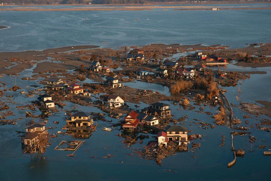 Le tremblement de terre au Japon en 2011 a conduit à l'effondrement ou l'affaissement de plusieurs ...