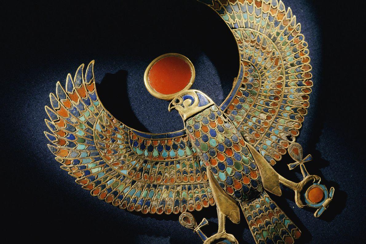La mise au jour en 1922 du tombeau du pharaon égyptien Toutânkhamon par Howard Carter figure ...