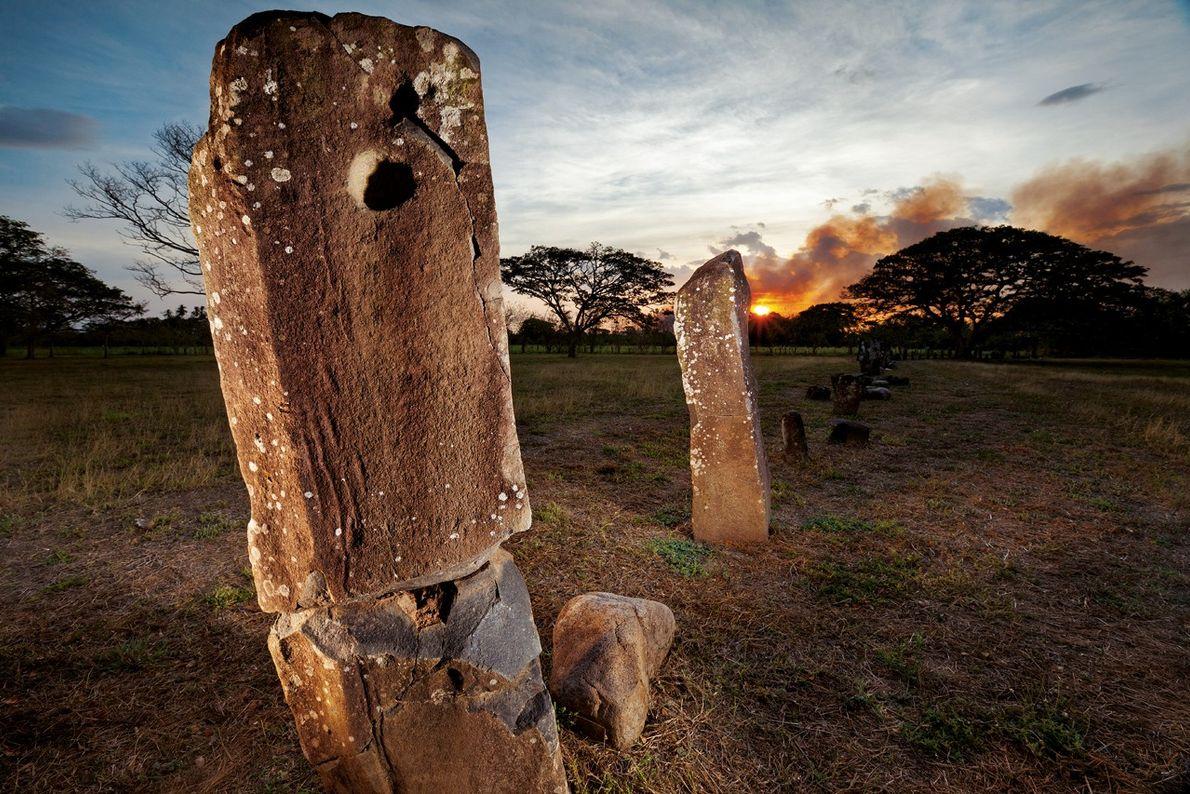 Des monolithes près du cimetière d'El Cano