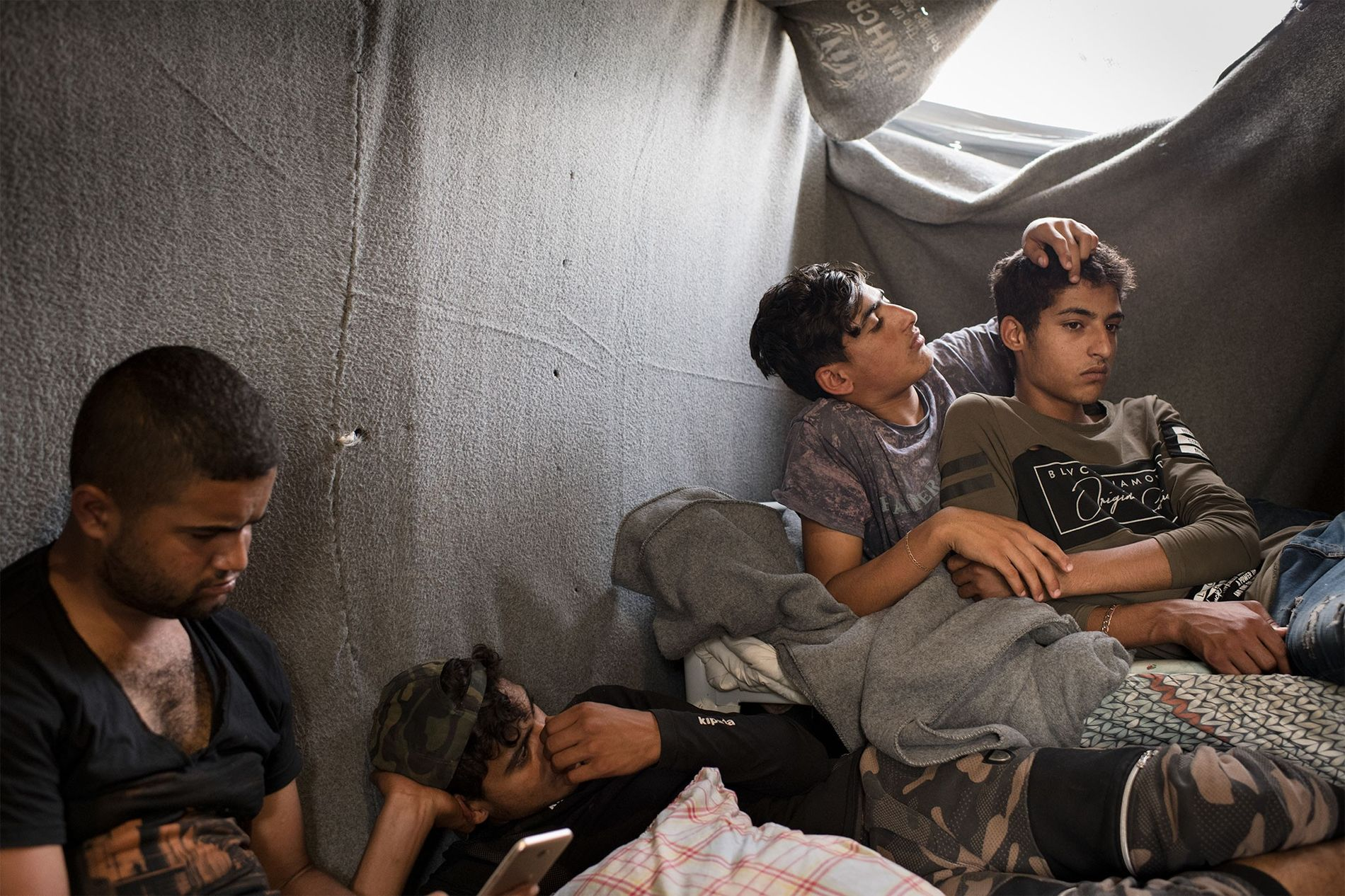 De jeunes Syriens ayant vécu dans le camp de l'Oliveraie pendant deux à six mois cherchent ...