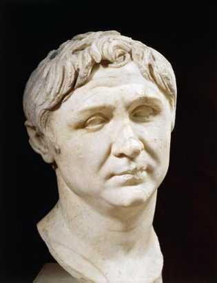 Influencés par la période hellénistique, les portraits du général romain le représentent comme un homme digne ...