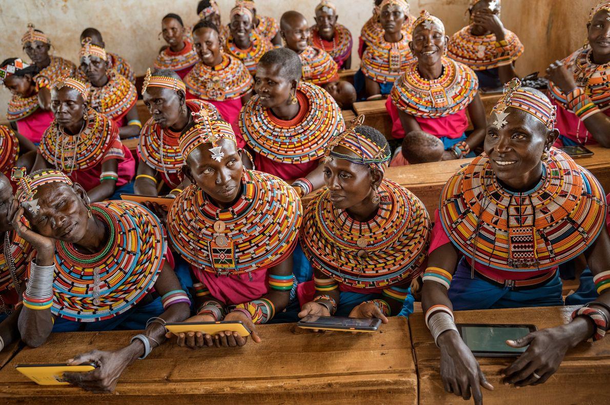 Au nord de Nairobi, au Kenya, c'est le désir d'enseigner à leurs enfants comment se servir ...