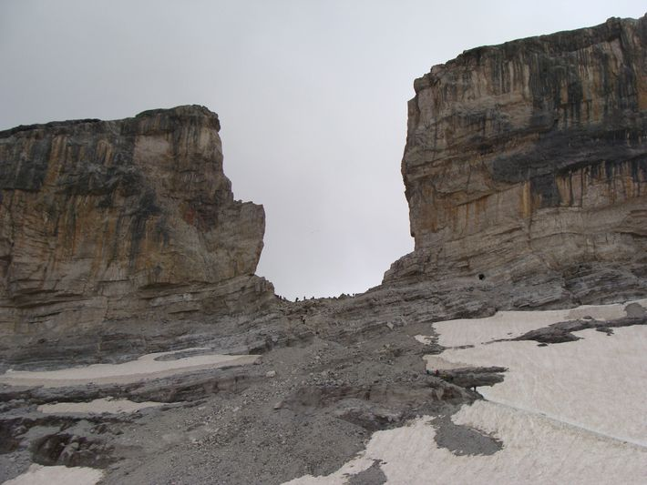 Le glacier de la Brèche de Roland est un de plus célèbres parmi les disparus.