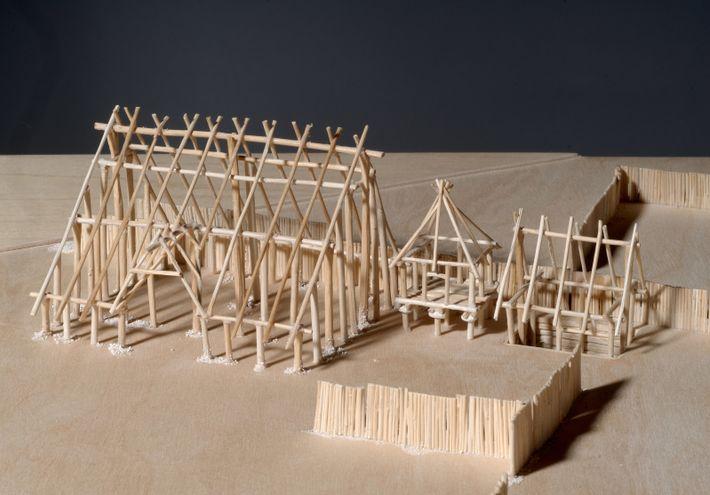 Maquette de l'ossature des bâtiments en bois de l'oppidum de Villeneuve-Saint-Germain (Aisne).