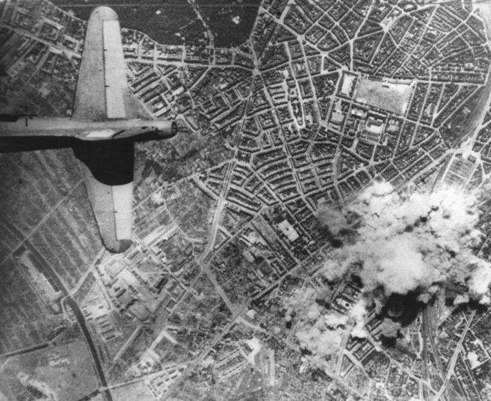 Raid on Hamburg, World War Two, 2 August 1943