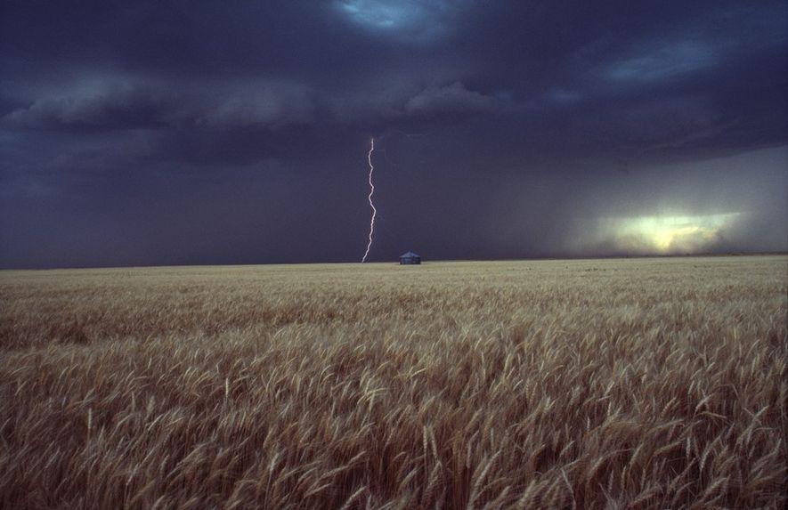 Foudre, Kansas Cotton Coulson est un photographe contribuant au National Geographic Traveler et à nationalgeographic.com. Il ...