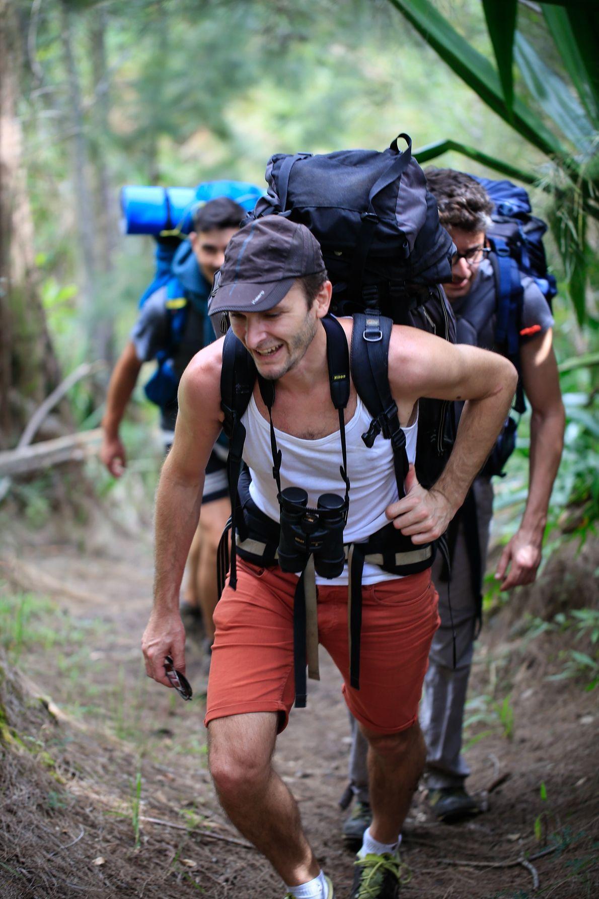Sébastien Albert avait trente ans lorsqu'il a recommencé ses études à La Réunion. Il réalise aujourd'hui ...