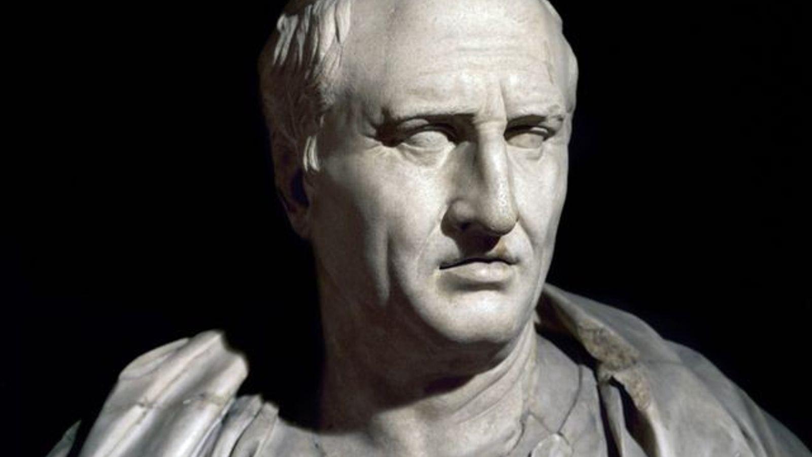 Avocat, homme politique et philosophe, Cicéron est passé dans l'histoire pour sa défense des valeurs républicaines ...