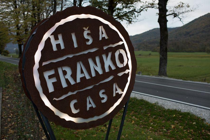 Après un long voyage, le restaurant Hisa Franko offre un réconfort bien mérité à l'aide de ...