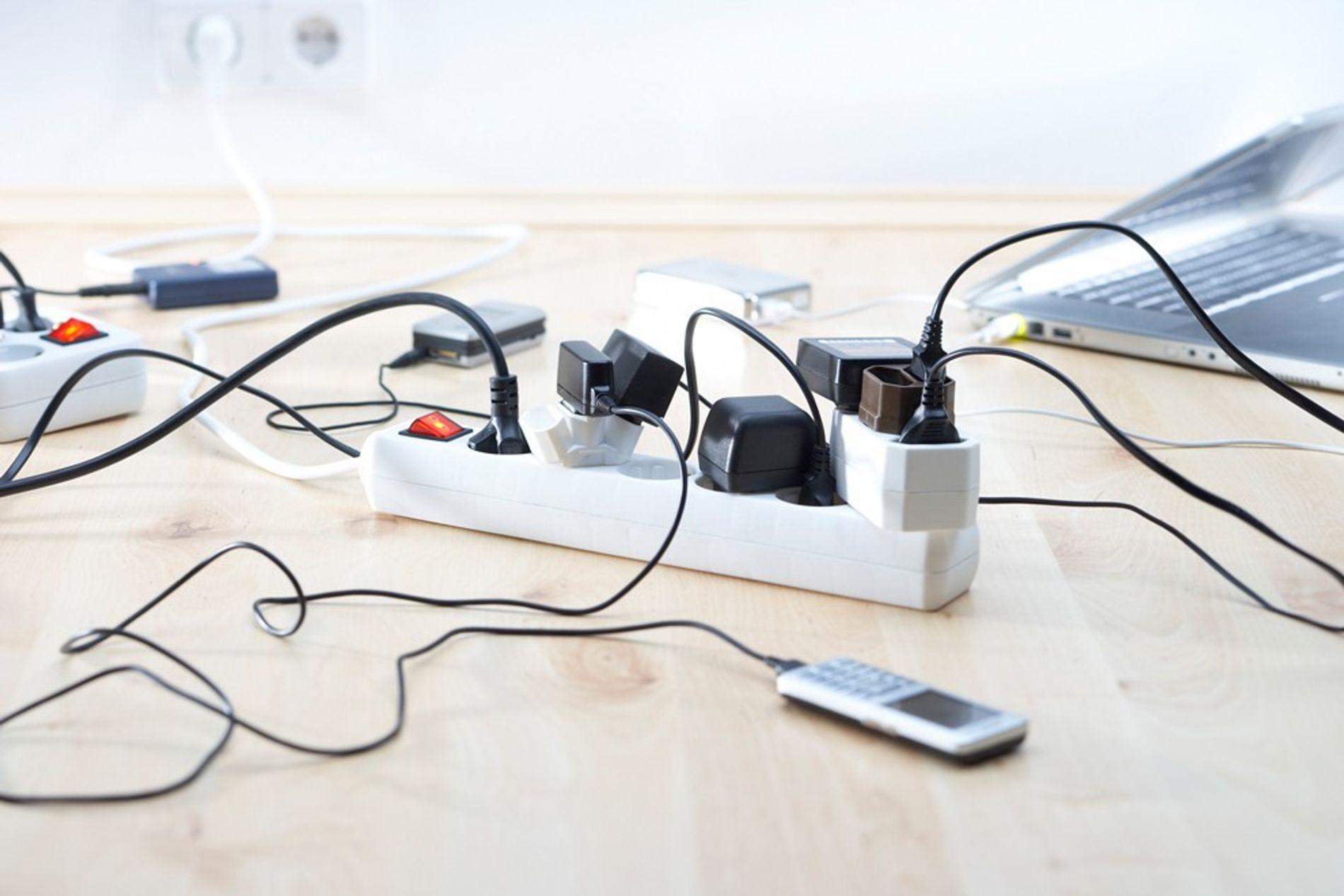 Beaucoup de gadgets et d'outils électroménager continuent de consommer de l'électricité même si ils ne sont pas utilisés.