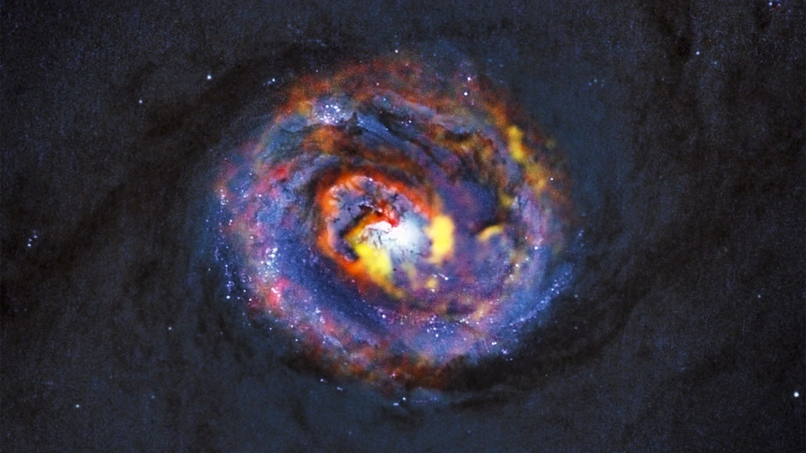 Ci-dessus, cette surprenante forme de spirale dans la galaxie NGC 1433, proche de la nôtre, indique ...