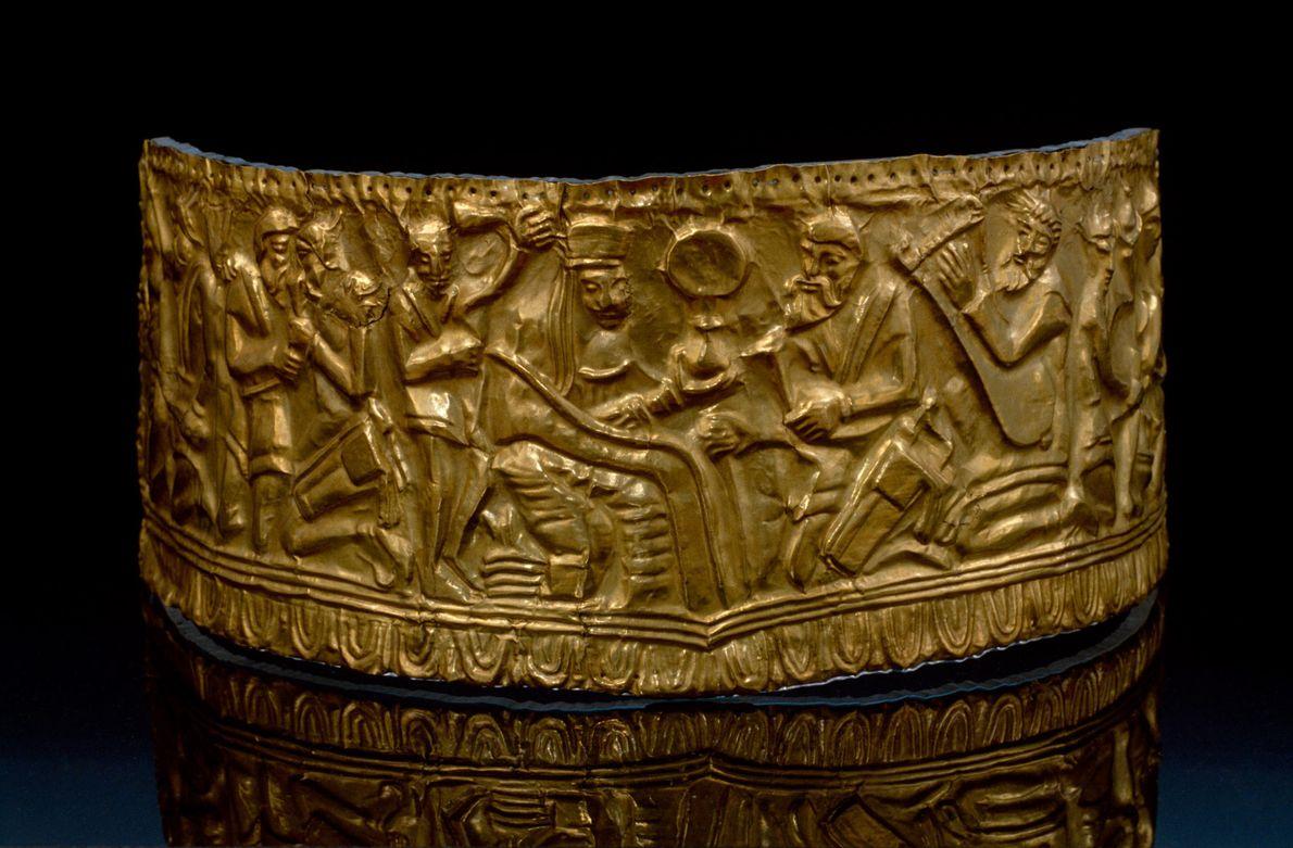 Dans l'actuelle Russie, la tête d'un riche nomade aurait été surmontée de ce diadème scythe ancien ...