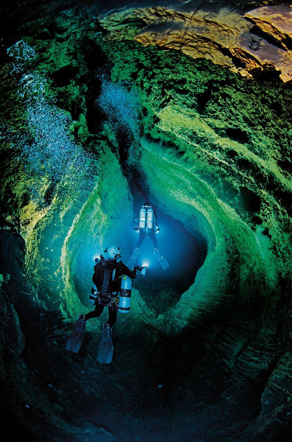 Grottes sous-marine