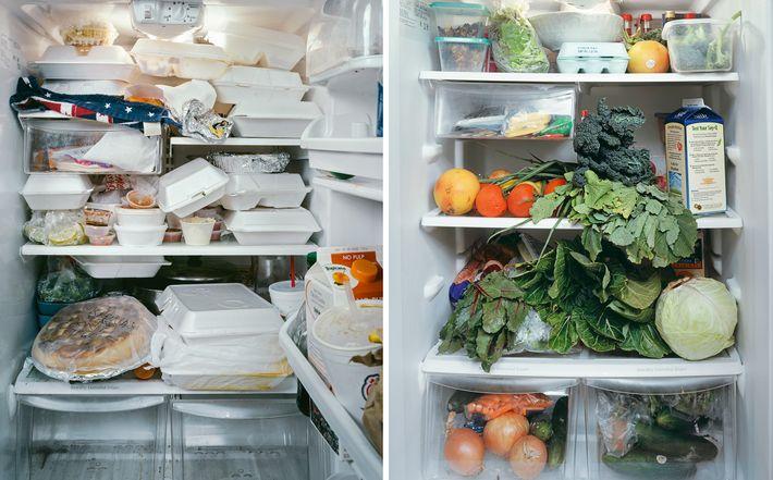 Un réfrigérateur qui déborde de barquettes de restes à emporter (à gauche) rend difficile le suivi ...