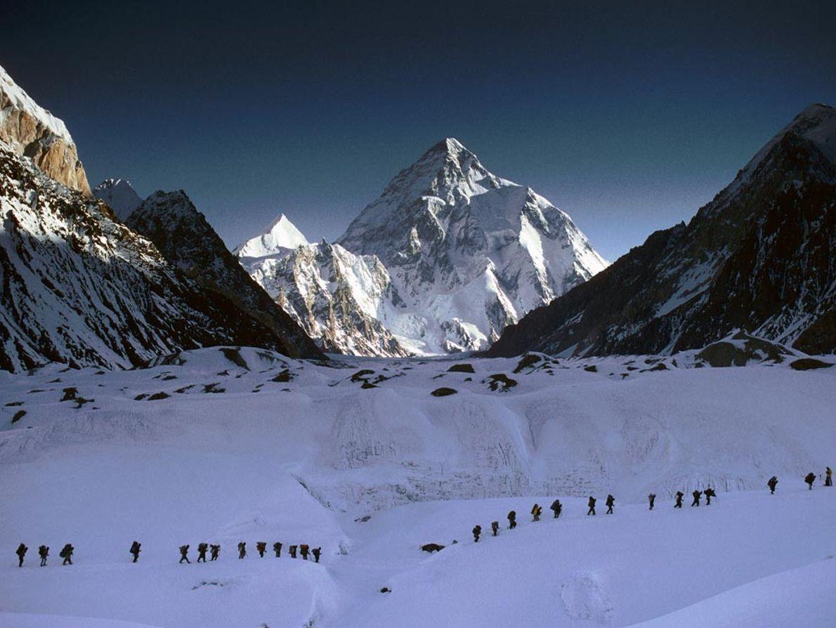Second sommet le plus haut au monde après l'Everest, le K2 attire de nombreux alpinistes déterminés ...