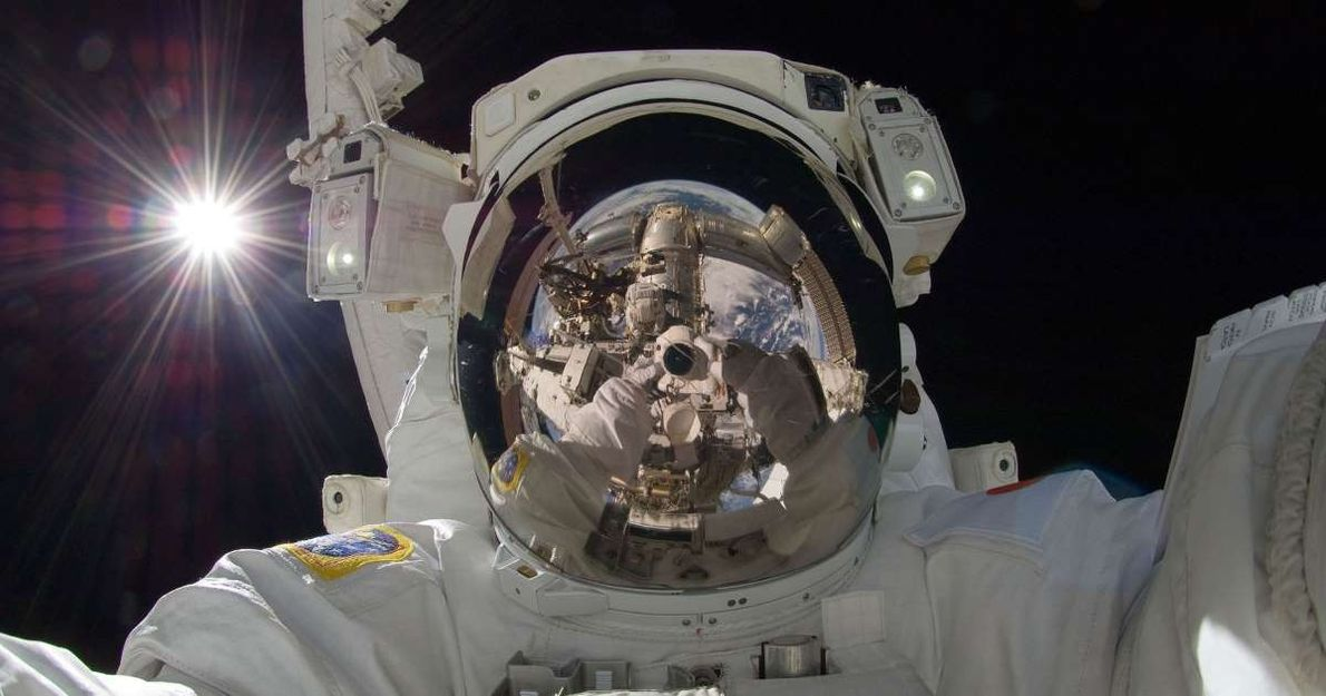 L'astronaute japonais Akihiko Hoshide a réalisé ce remarquable selfie alors qu'il se trouvait sur la Station ...