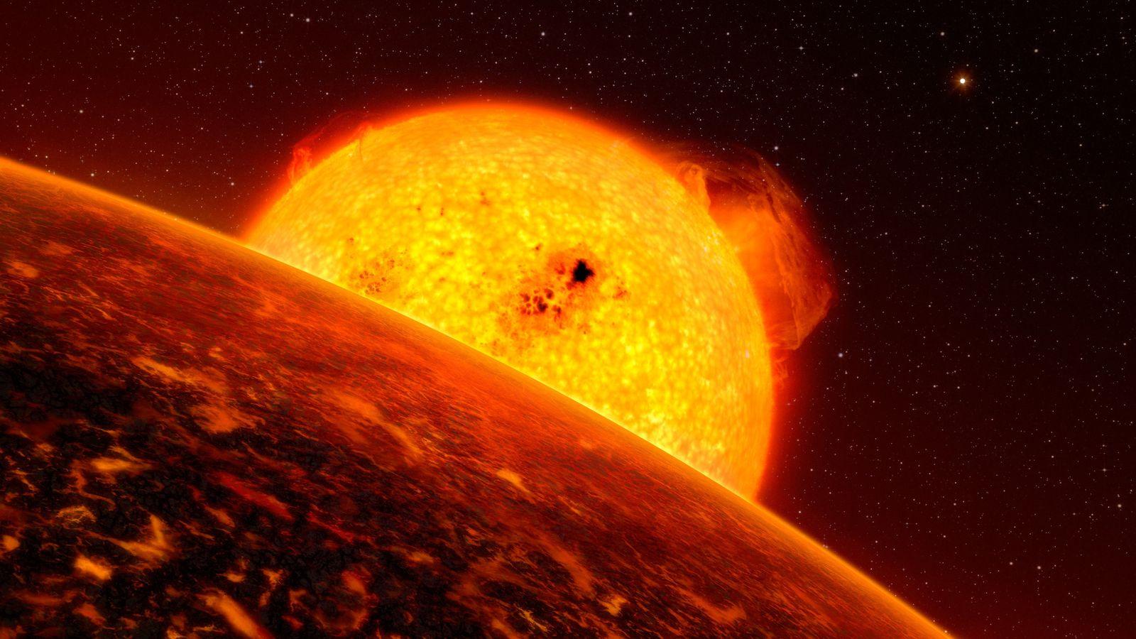 L'exoplanète Corot-7b, détectée dans le cadre de la mission européenne CoRot, est une planète rocheuse de ...